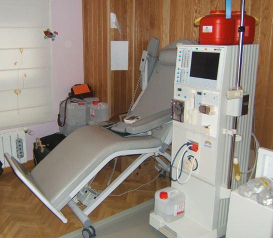 Habitación de un paciente que recibe hemodiálisis domiciliaria.